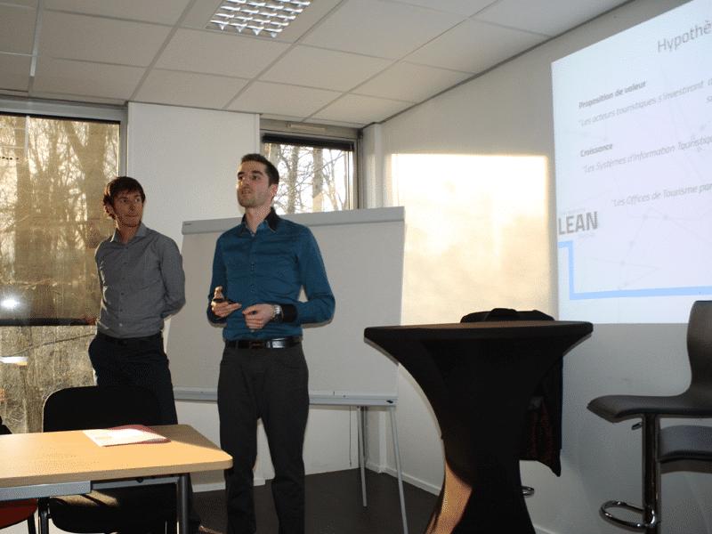Damien Catala et Arnaud Becquet piychent leur projet Dahub