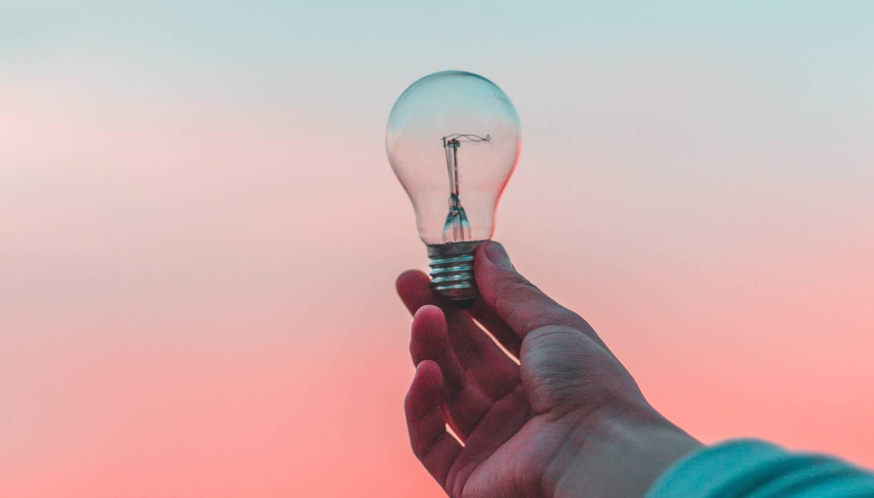Odit-e réussit une levée de près de 2M€ (dont la moitié en equity) pour développer son offre à l'international à travers un réseau d'intégrateurs, et permettre notamment aux pays en voie de développement de réduire leur fracture énergétique