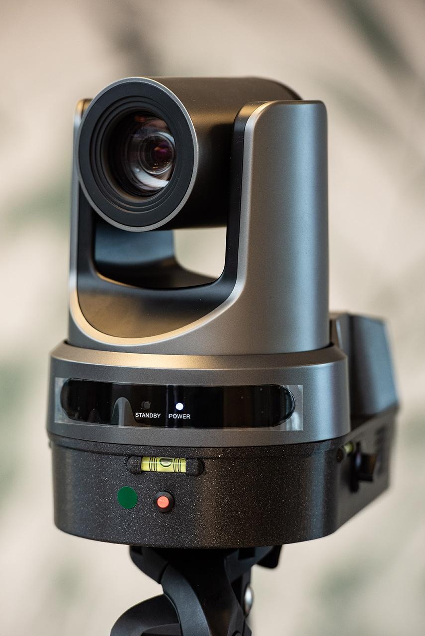 Rocamroll dope sa solution de tournage vidéo automatisée avec une nouvelle IA